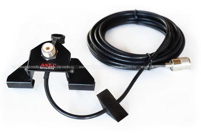 ANLI TA-1 UHF, крепление с кабелем